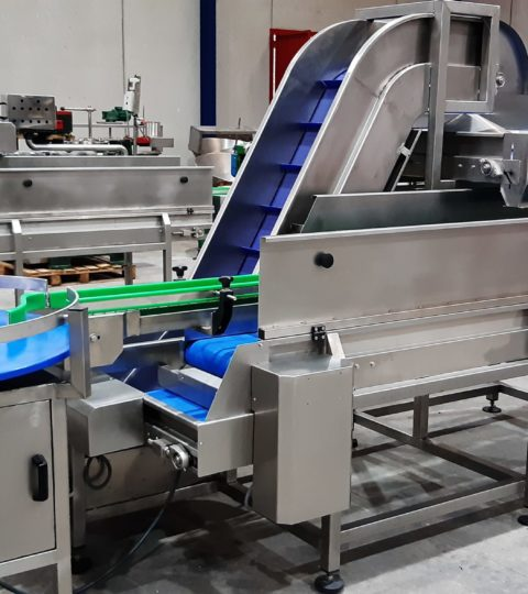 Inline Filler With Vibrating System, Model: Universal